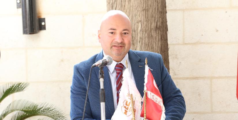 الأستاذ فارس عوض مدير مركز اللغات الحديث 2016
