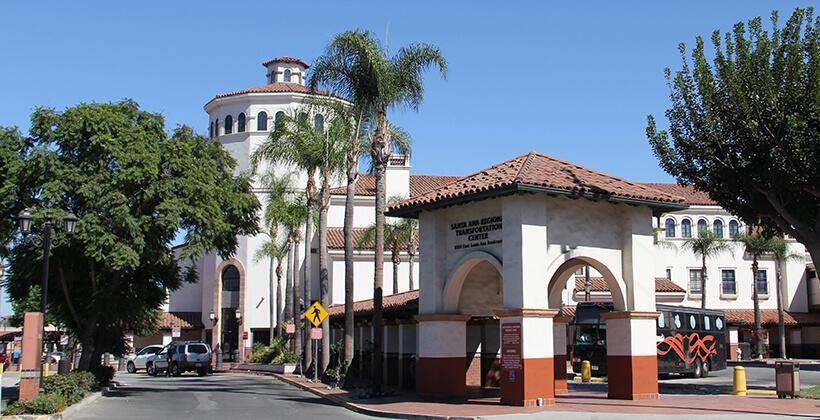 الدراسة في امريكا مكتب MLB للدراسة في الخارج جامعة ريدلاندس
